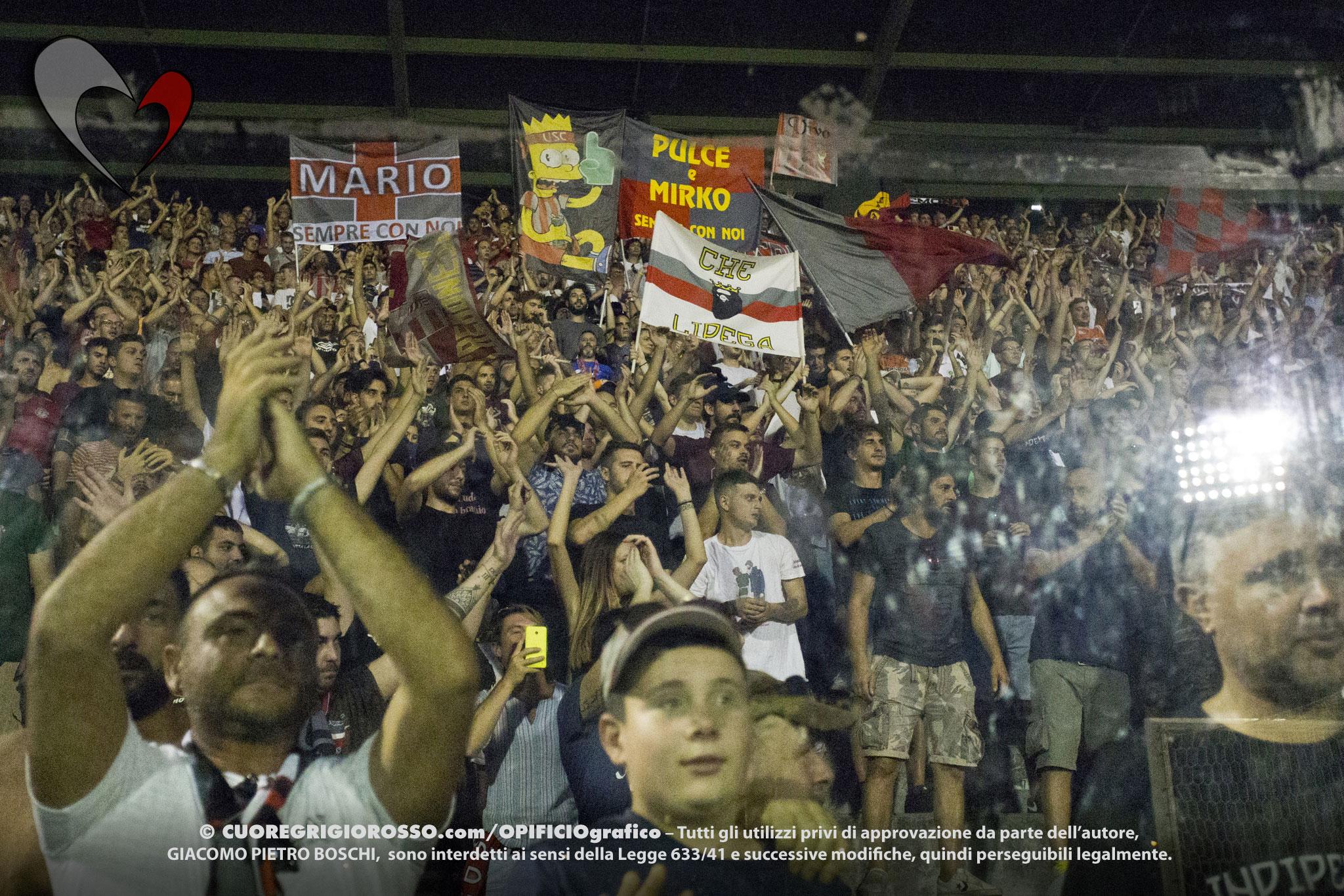 Padova, i tifosi grigiorossi entrano al 19′