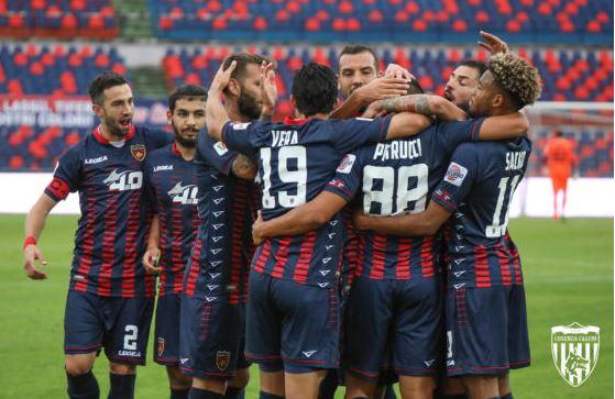 Serie B, ora è ufficiale: Cosenza riammesso